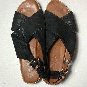 Gentle Souls by Kenneth Cole KIKI sandals Size 11